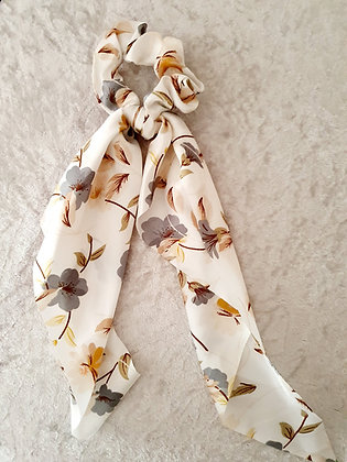 Long Tail Scrunchie Cream Floral