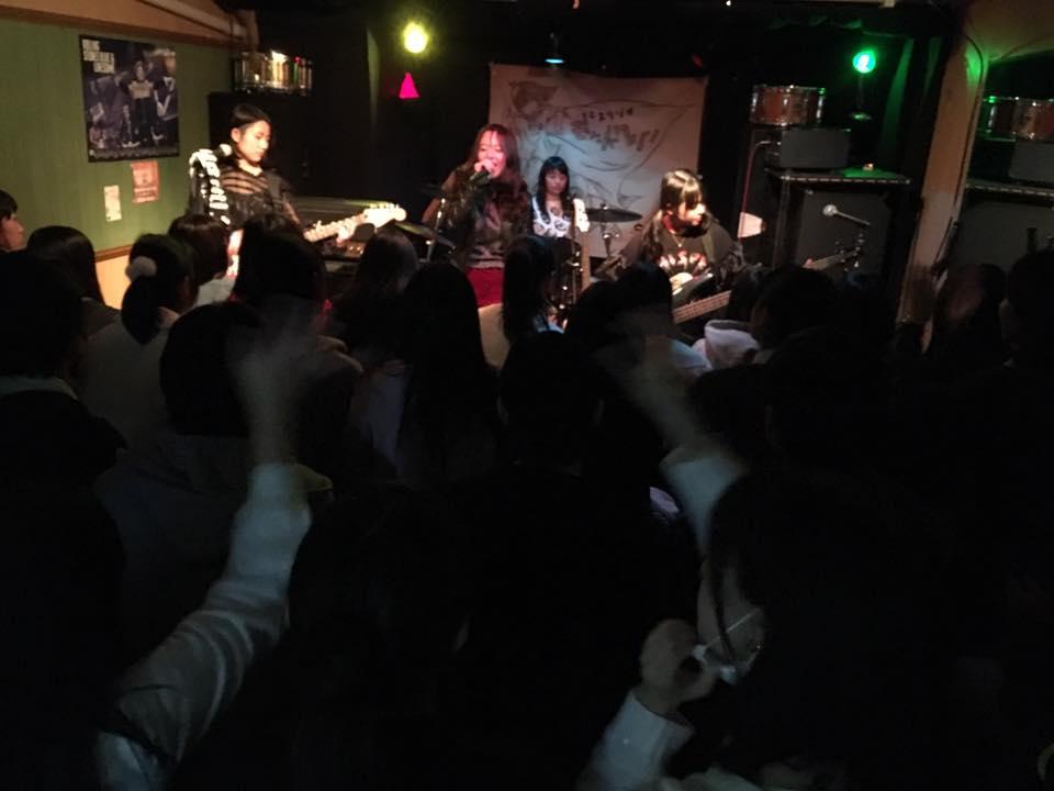 ライブ利用1時間3000円