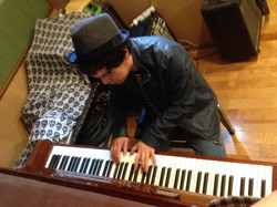アップライトピアノあります