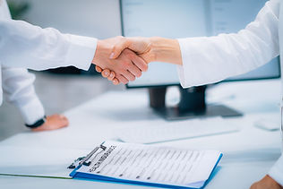 handshake-after-signing-health-insurance