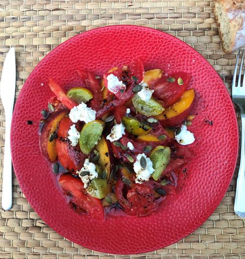 Salade fraîcheur tomates nectarines feta