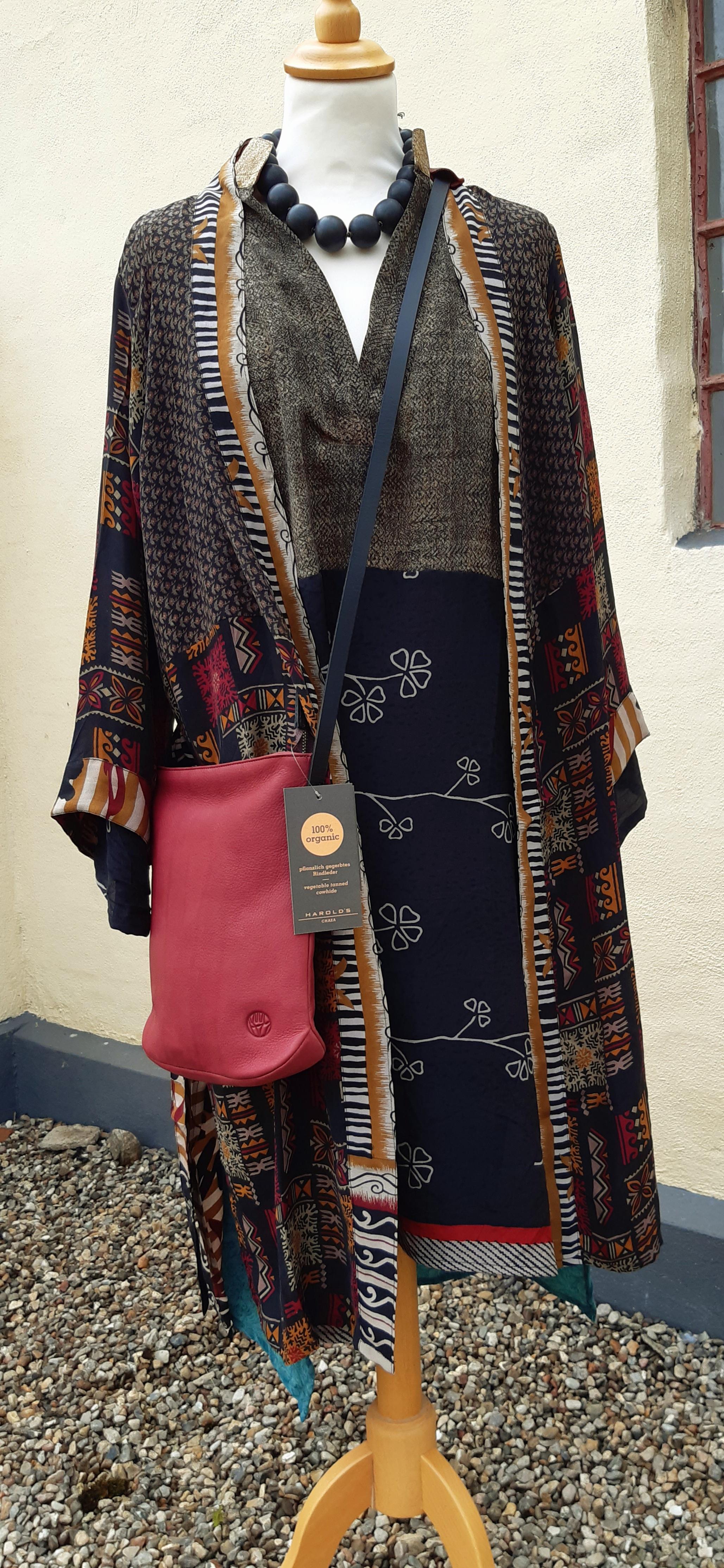 Kimono kr.849,- Taske fra harolds kr.869,-
