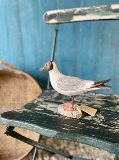 Dekorative fugle i træ