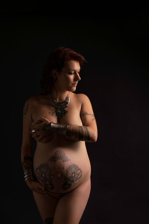 photo ventre rond tatouage