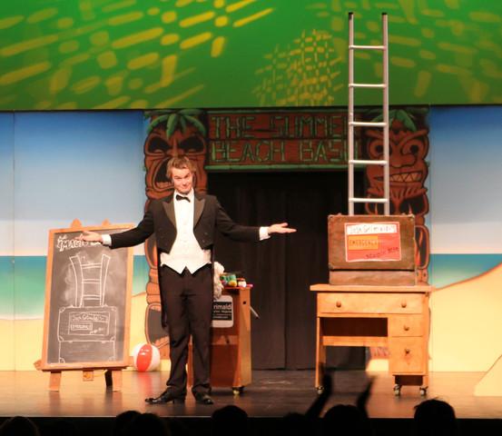 Josh Grimaldi Stage Illusions