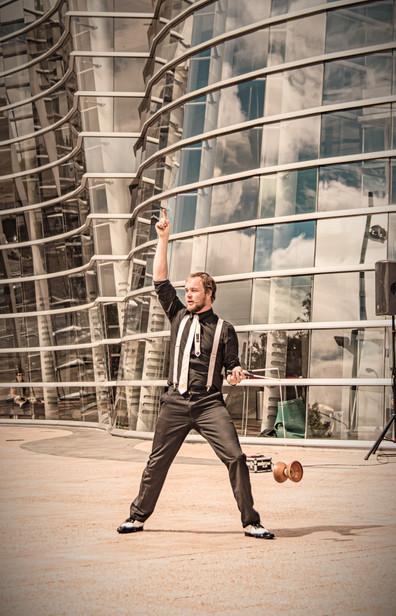 Josh Grimaldi Street Diabolo, Bread And Circus Buskers