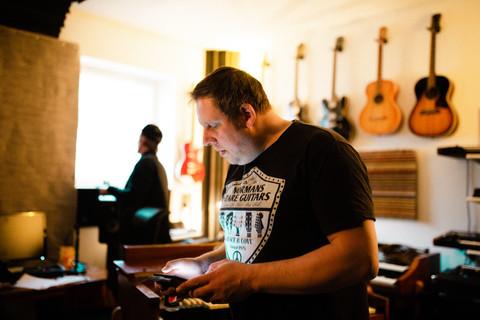 Iver Olav Erstad in studio