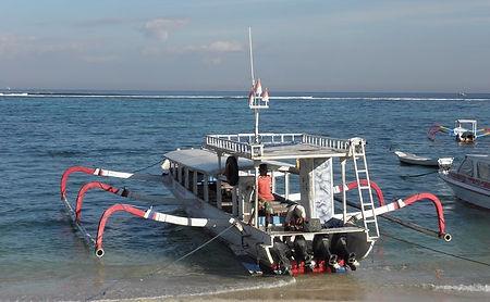 Local Boat till Lembongan