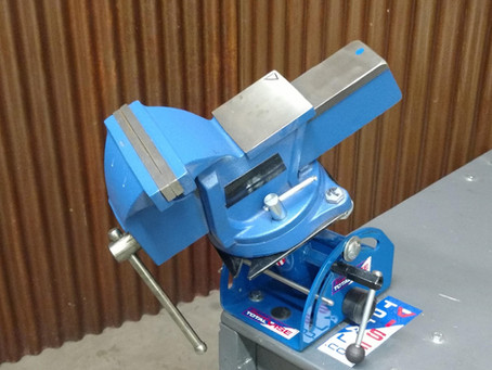 """This will be your """"Go To"""" Vise for everything  #woodcarvers  #gunsmith  #bench vise  #small engine"""