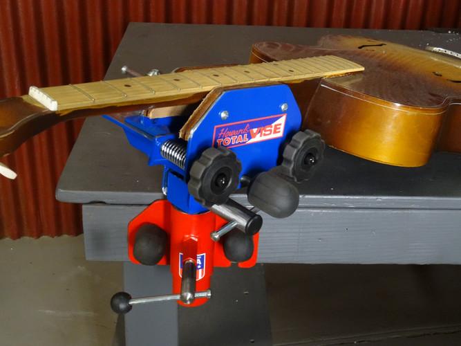 #7 Guitar Repair Station