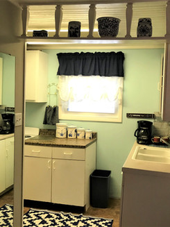 LC kitchen 4.jpg