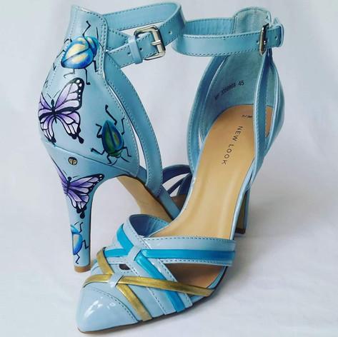 Patent leather mini bug shoes