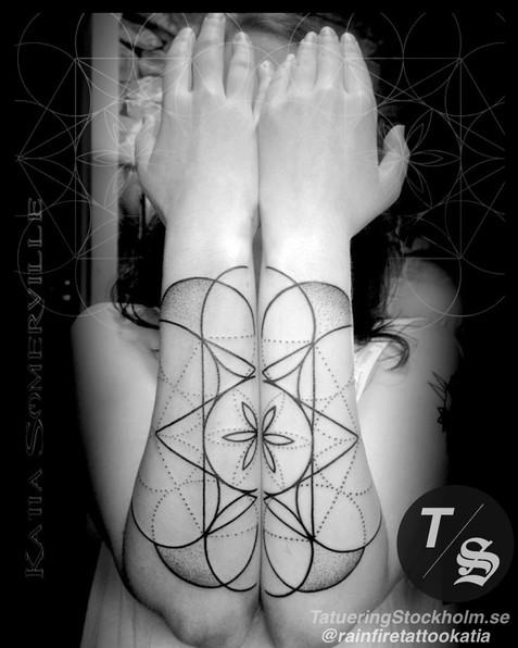 Sacred geometry tattoo by @rainfiretatto
