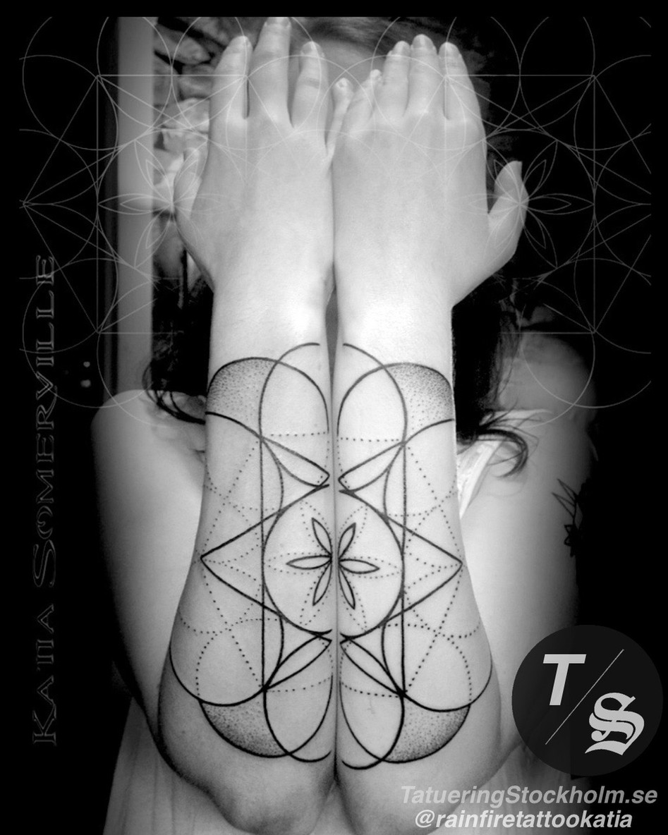 Sacred geometry tattoo by @rainfiretatto
