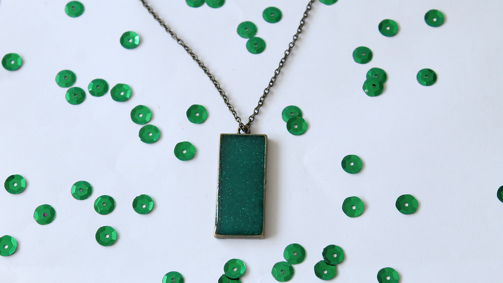 Rectangle Green Resin with Sparkles Necklace Bronze