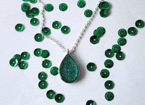 Tear Drop Green Resin with Sparkles Necklace