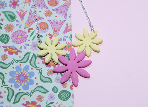 Statement Necklace of 3 Beautiful Daises Flower