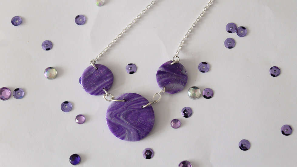 Three tier marbled pendant necklace