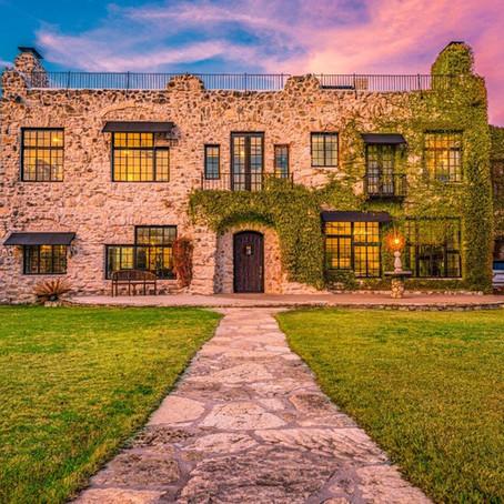 296 Overlook Drive, Kerrville   Monte Vista Manor