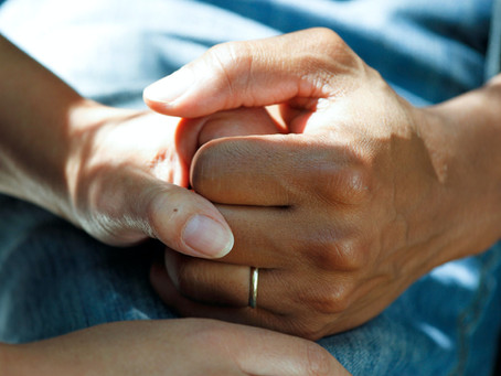 8 Things to Do and Keep in Mind While Caring for Someone in Cancer Treatment