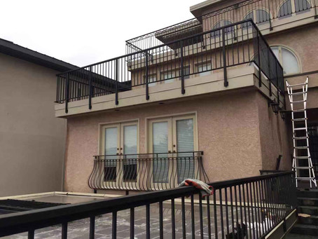 New aluminum guardrail for this beautifully located Vancouver west water view home.