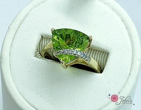 Yellow Gold Peridot & Diamond Dinner Ring