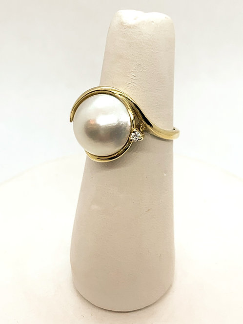 Yellow Gold Pearl and Diamond Ring PP636