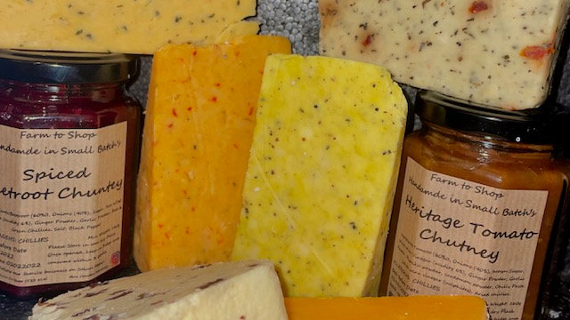 6 Blended Cheese Wedges and 2 Chutneys