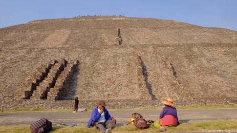 Vendors at the Pyramids