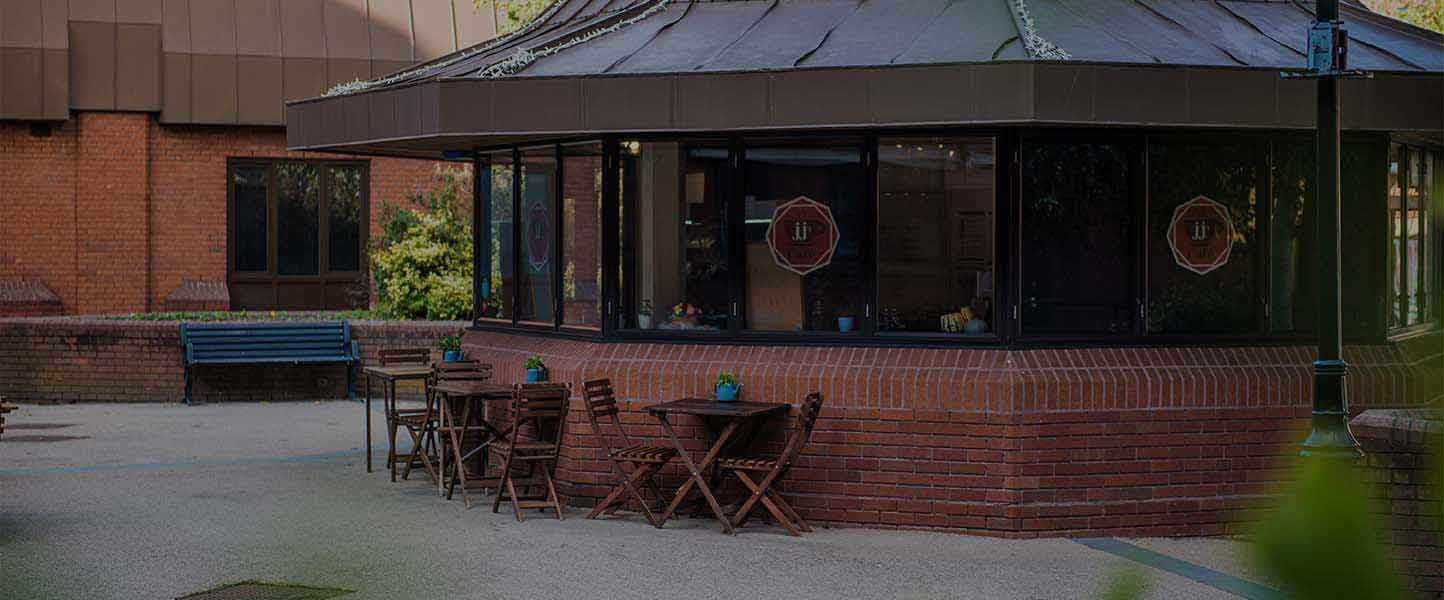 cafe-with-outdoor-seating-in-town-centre
