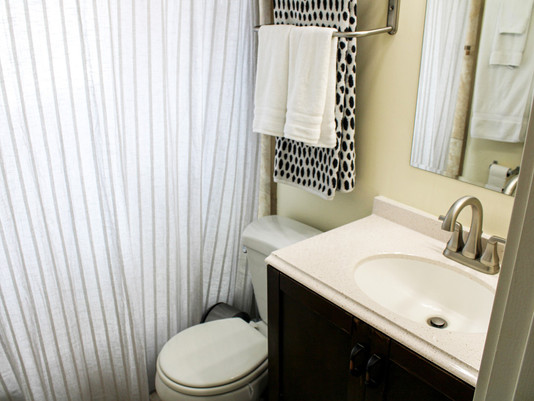 Nbathroom01.jpg