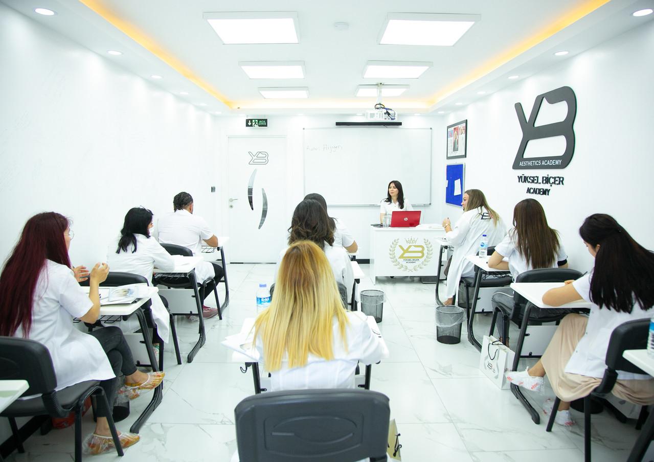 Yüksel Biçer Akademi Estetisyenlik Eğitimi.jpg
