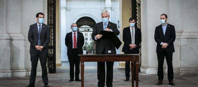 Presidente Piñera promulga reforma constitucional que aplaza elecciones por pandemia de Covid-19