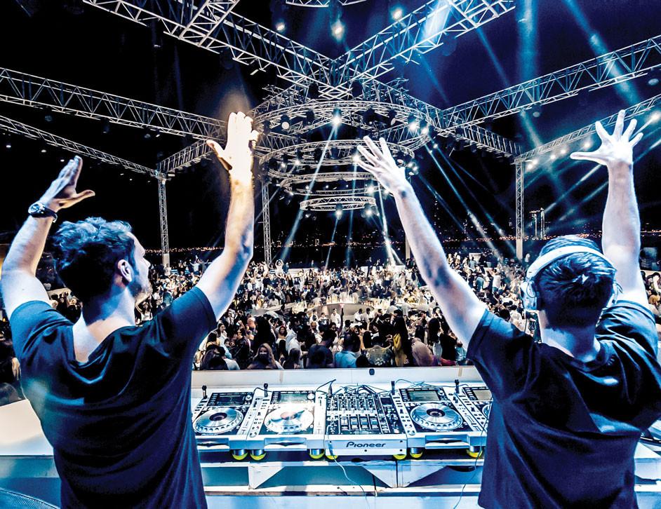 White Dubai, nightclub