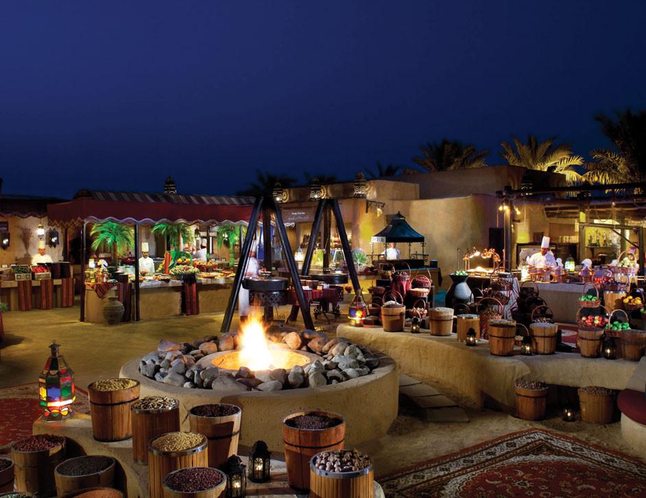 Dubai travel guide: Arabic, desert dinner, Bar al Shams