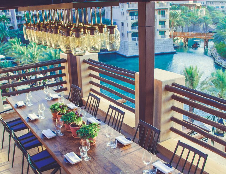 Dubai travel guide: outdoor dining, Madinat Jumeirah