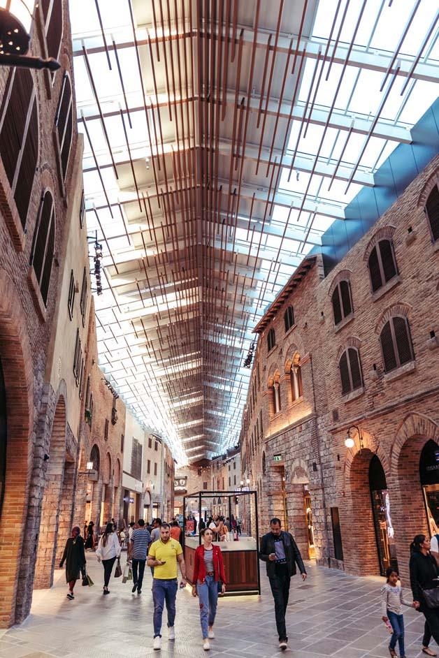 Dubai travel guide: Dubai Outlet Mall