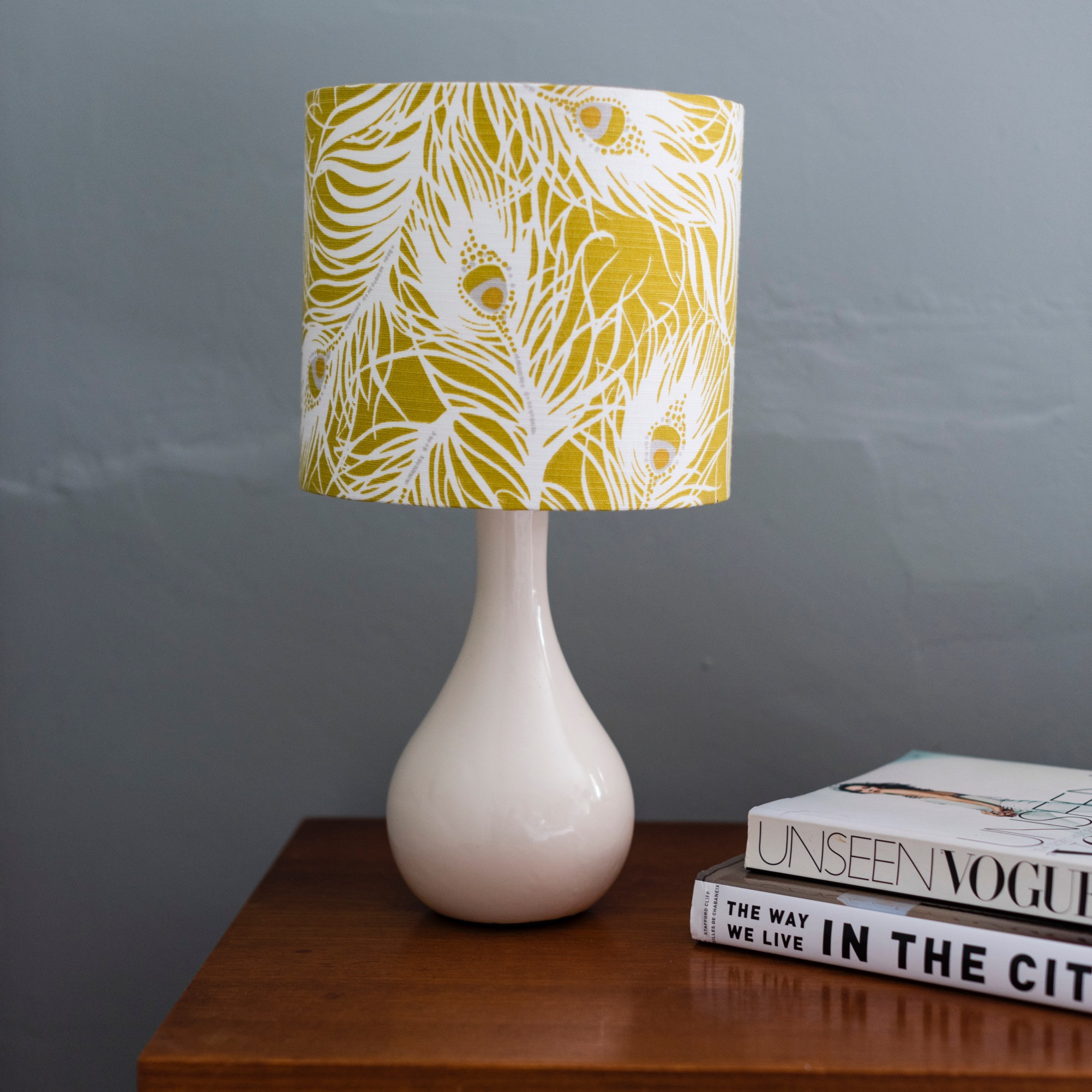 A STUNNING DRUM LAMPSHADE