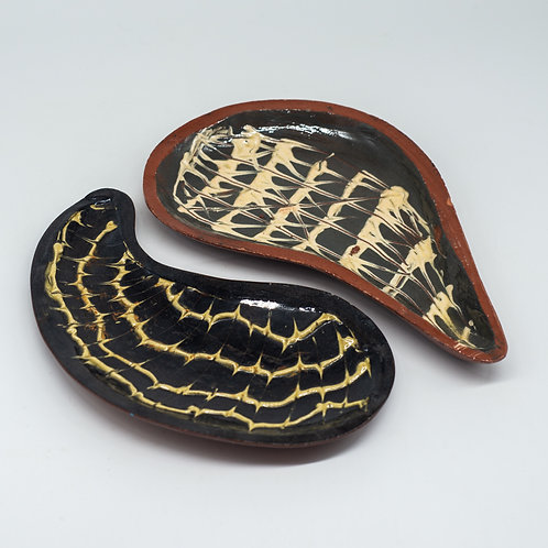Set of 2 Vintage Handmade Hand Painted Terracotta Studio Pottery Teardrop Bowls