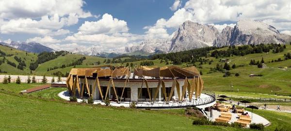 Estate a 5 stelle all'Alpina Dolomites sull'Alpe di Siusi