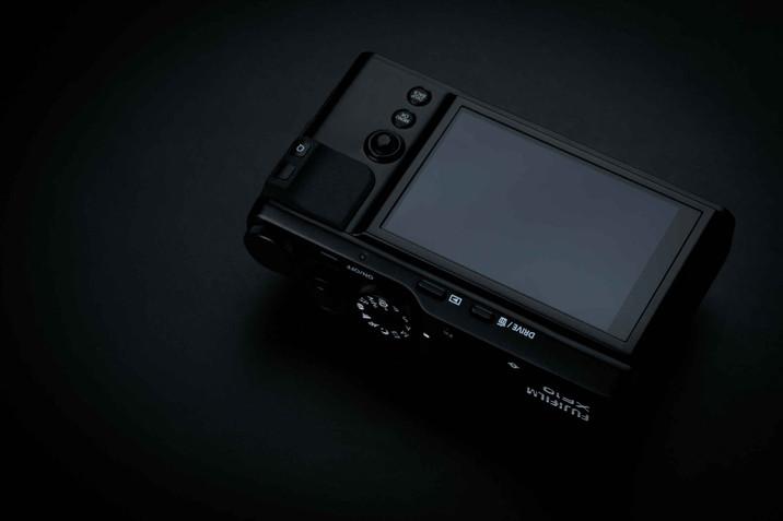 FUJIFILM XF10 La compatta ultraleggera, ultratecnologica da tenere sempre in tasca