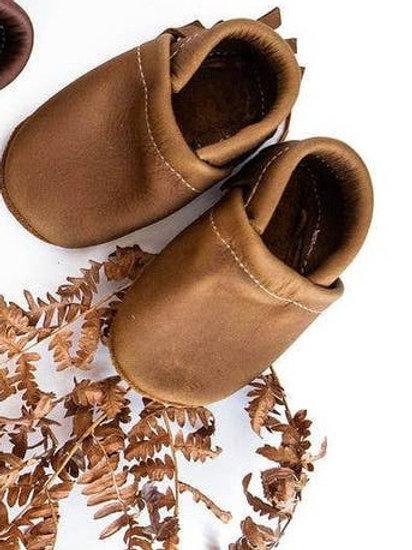 Moccs Shoe in Oak 6M