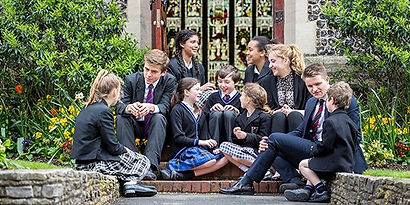 admissions-overview-pupils-outside-brigh