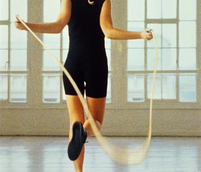La corde à sauter, l'exercice qui fait perdre du poids