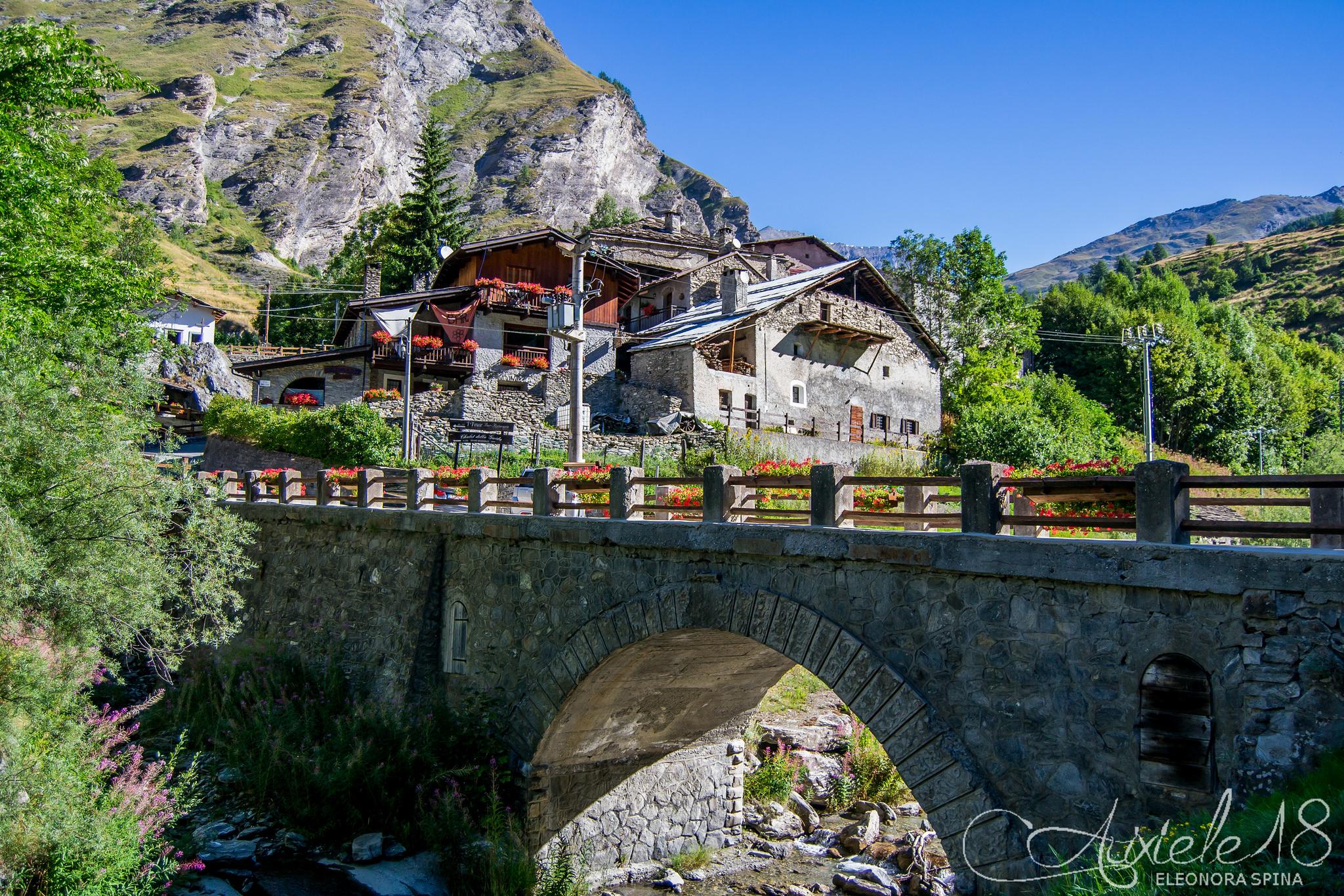 Ponte che porta a Rochemolles