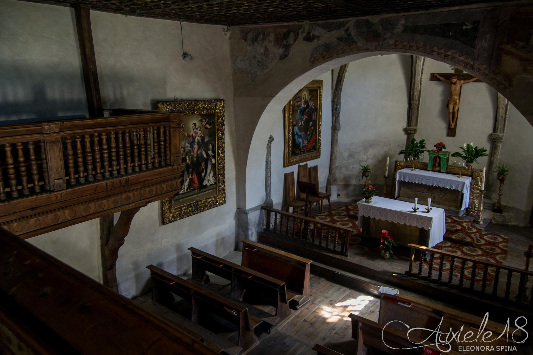 Interno della chiesa di Rochemolles