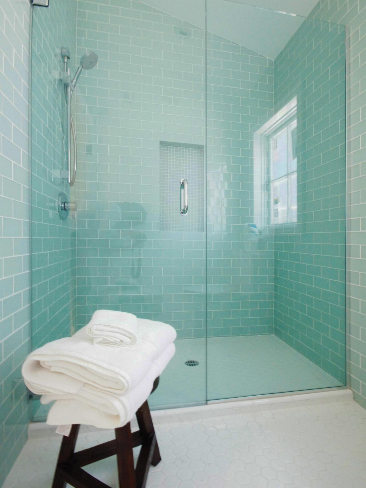 DP_Courtney-Blanton-modern-mint-bathroom