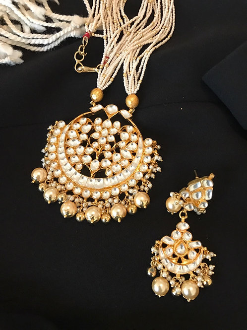 Shajar Kundan and Pearls Set