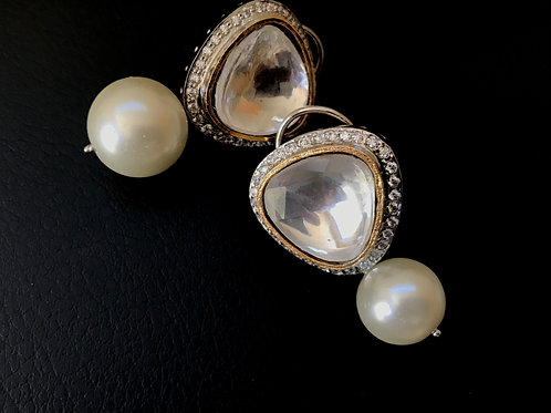 Selena Pearl Earrings