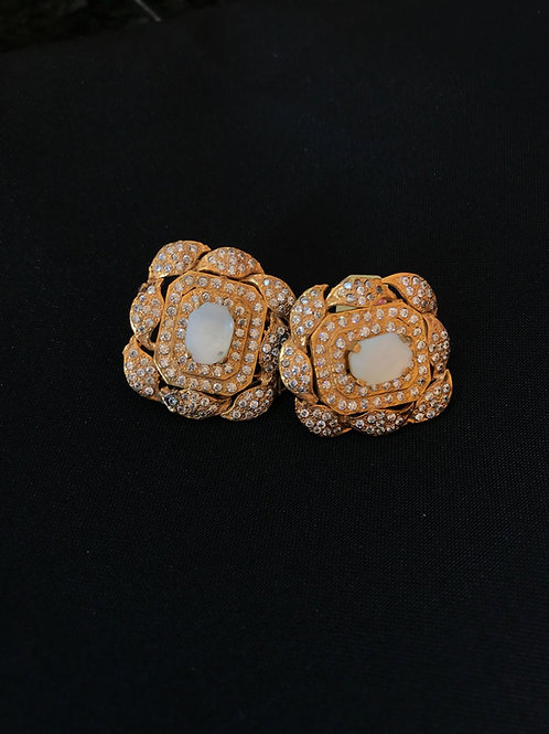 Pearl Wavy Square Earrings